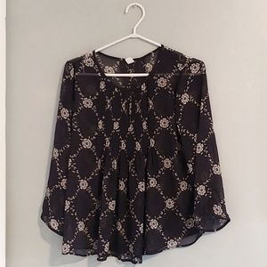 Old Navy Taupe french print blouse